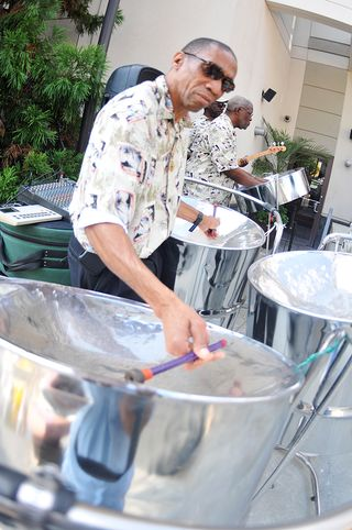 Caiso SteelBand at Clydes of Chevy Chase
